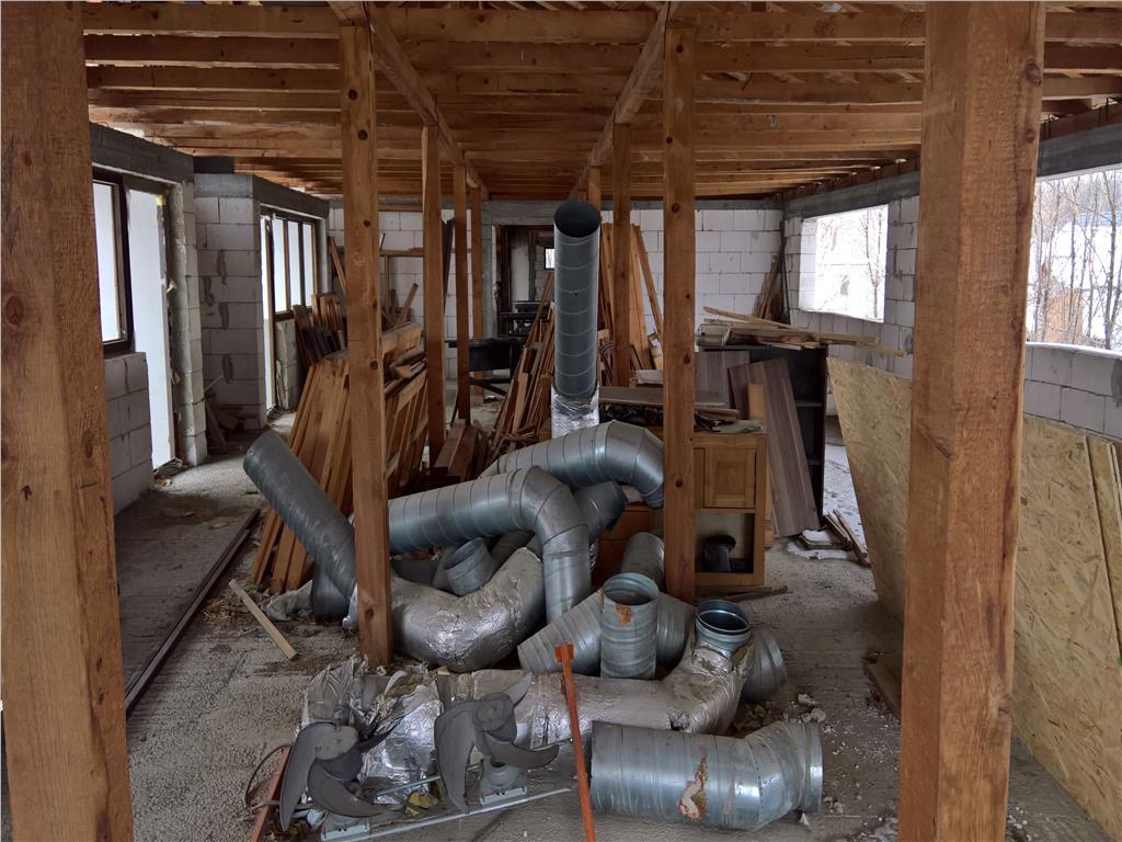 Vanzare spatiu industrial 636.5 mp situat in Tomesti