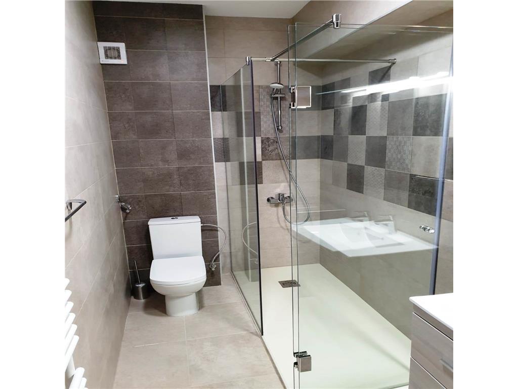 Ap 3 camere, mobilat utilat lux, parcare subterana inclusa, Copou  Universitate, prima inchiriere