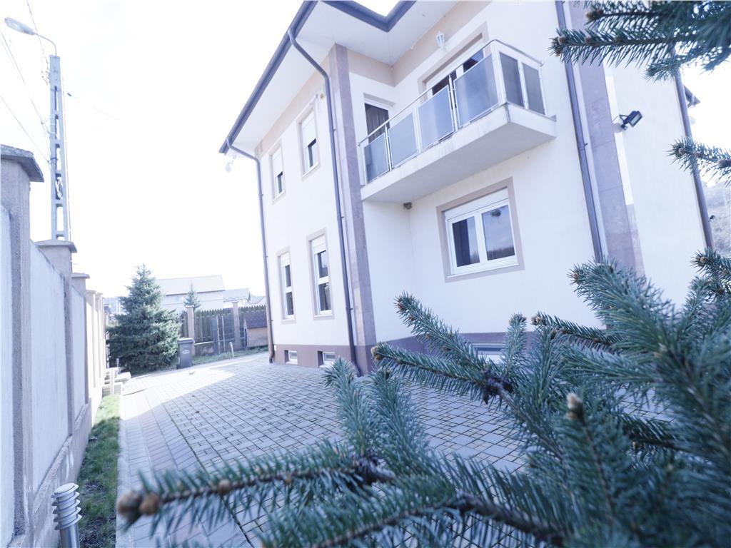 De vanzare, Casa, 350 mp utili + 1100 mp teren, Bucium,Barnova