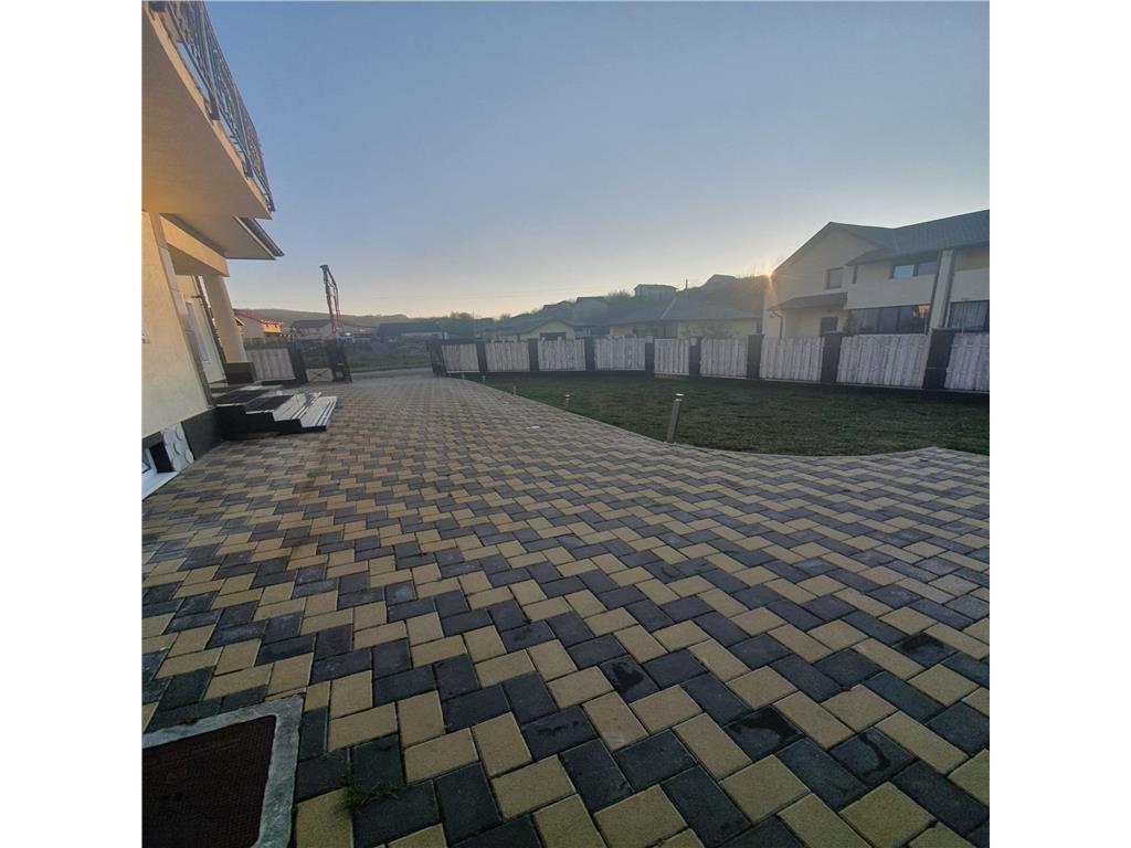 De vanzare, Casa tip Duplex, 320mp utili+ 600 mp teren, Bucium, Barnova