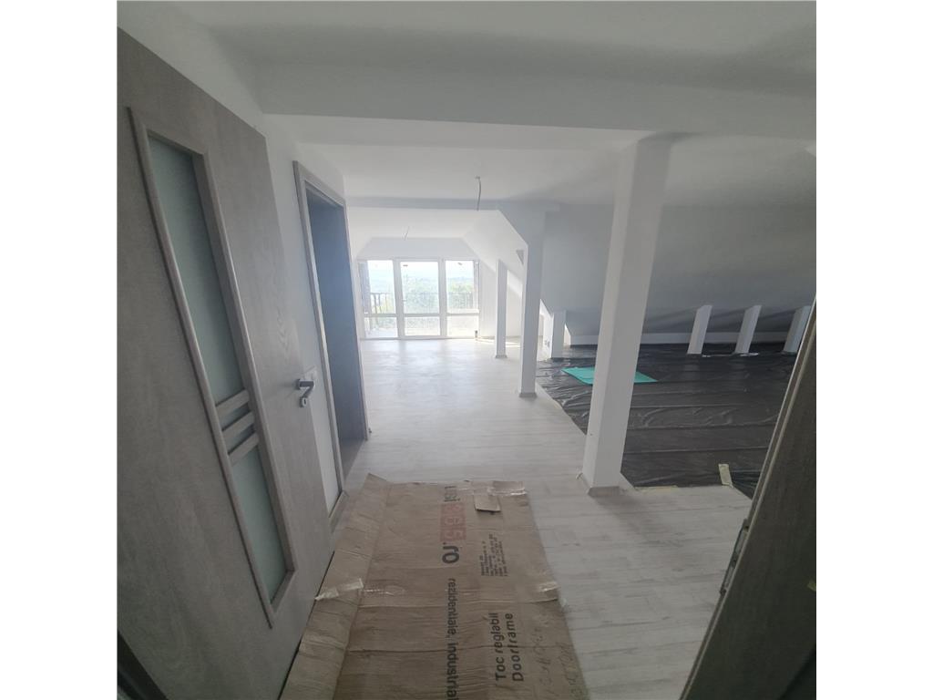 De vanzare,Casa 140 mp Utili+ 45 mp Terasa, 1000mp teren,Pietrarie