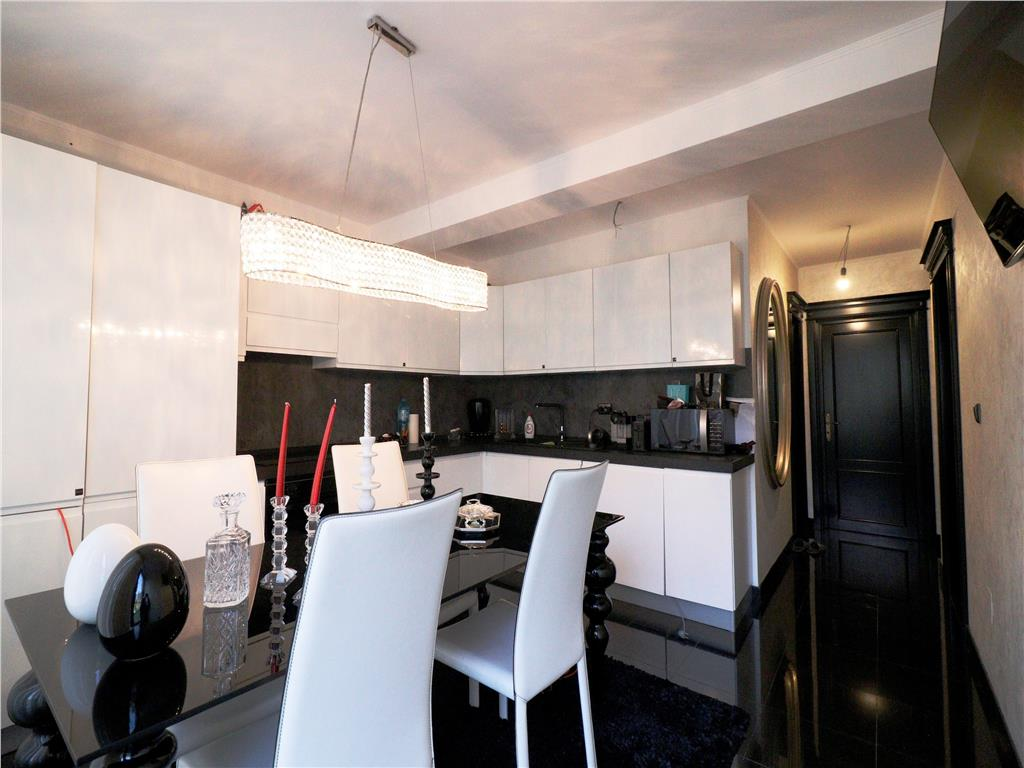 Apartament 2 camere, 62 mp + curte, finisaje lux, Podul de Fier