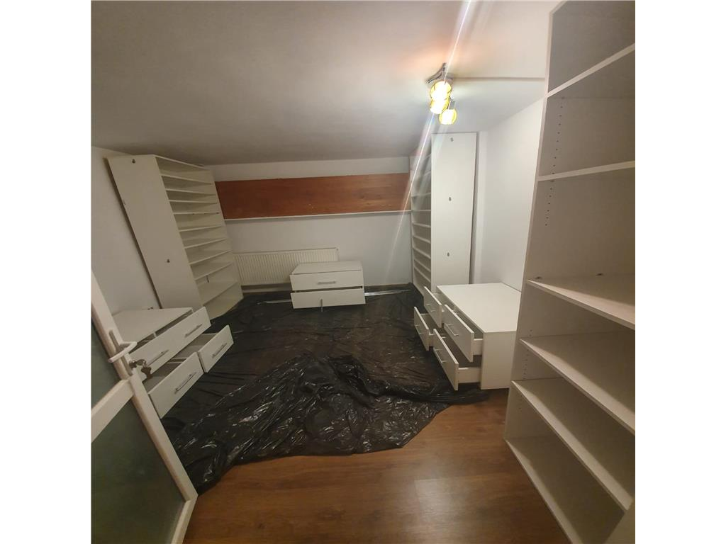 De vanzare,Apartament 4 camere, 123 mp utili + 167 mp Gradina, Bucium