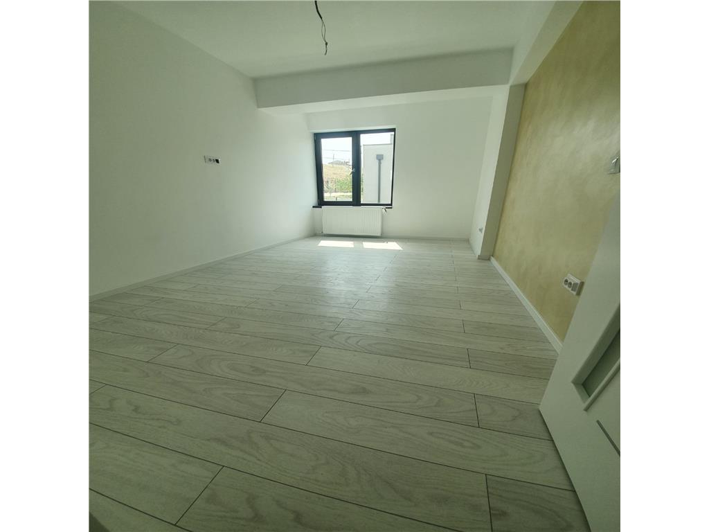 De vanzare,Casa Single, 120 mp utili+ 350 Teren, Hlincea, Mutare Imediata