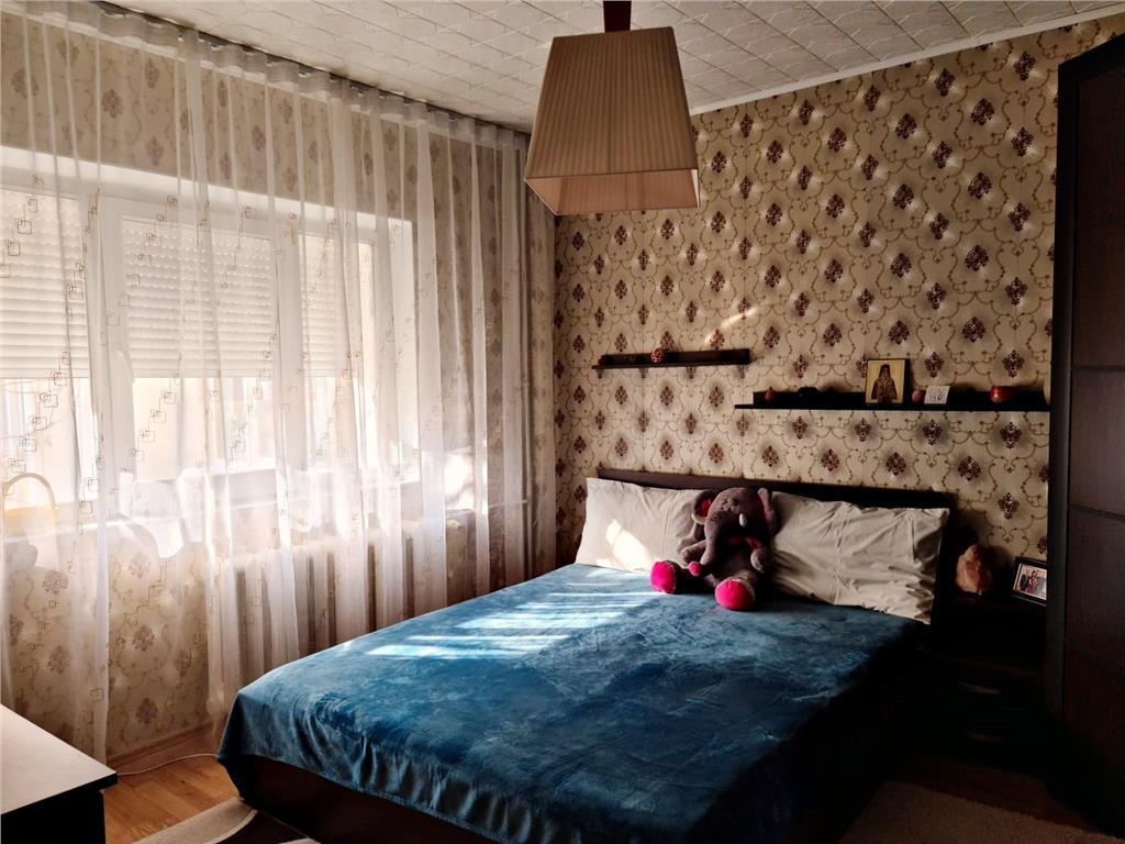 Ap 3 camere, 79.4 mp, renovat, et 2, bloc din 1989, Zimbru  Tigarete