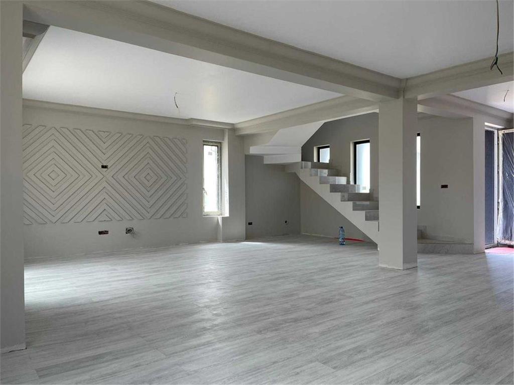 De vanzare,Casa tip Duplex, 132mp Utili + 100mp Teren, Visan, Strada Asfaltata