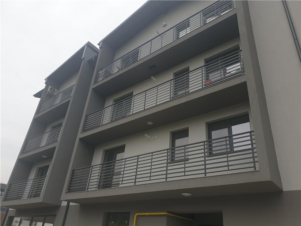 Apartament 3 camere, Capat Cug