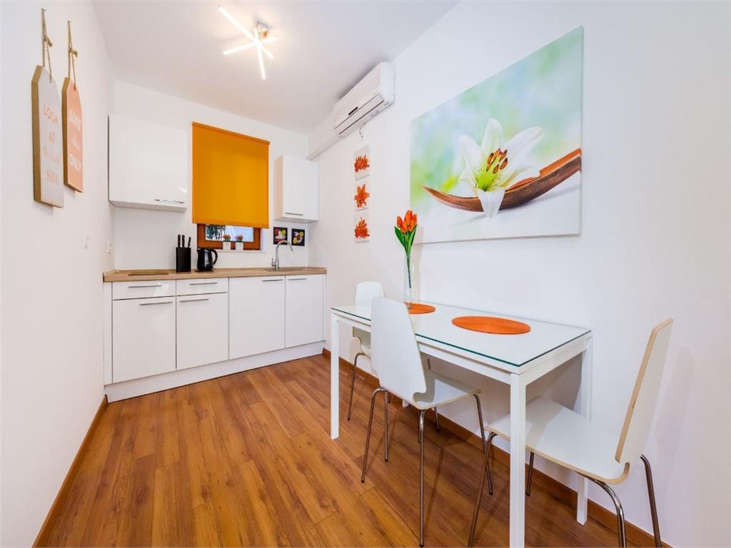 Apartament 2 camere, 54mp+balcon, bloc nou