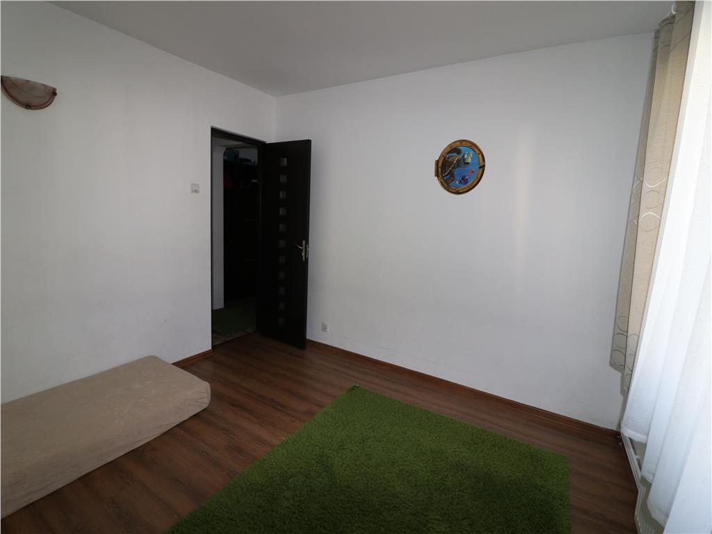 Spatiu Birouri, 55mp utili,curte interioara si dublu acces.