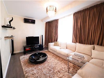 Apartament 2 camere, 62 mp + curte, finisaje lux, Targu Cucu