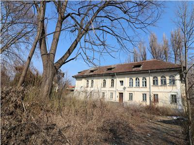 Casa istorica, 700 mp + 3200 mp teren, Tatarasi  Spital Pascanu