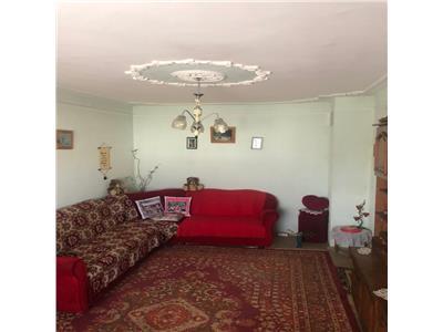Ap 4 camere, 94mp, bloc din 1989, et 3/8 Zimbru - Tigarete