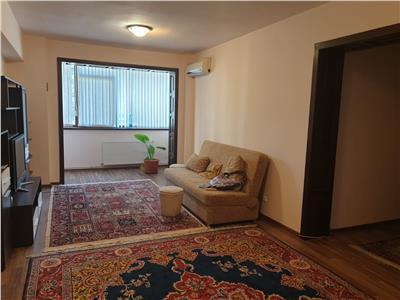 Ap 3 camere, renovat, mobilat si utilat modern, Centru Civic- Moldova