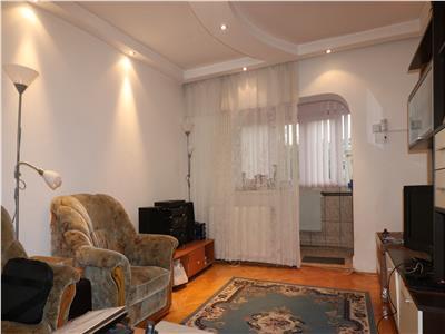 Apartament 4 camere decomandat la bulevard