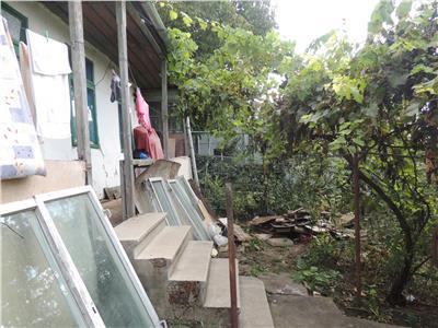 Casa batraneasca, 800 mp teren, Copou