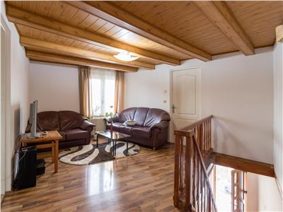 Casa pretabila pentru 2 familii Pacurari  Gradina Botanica